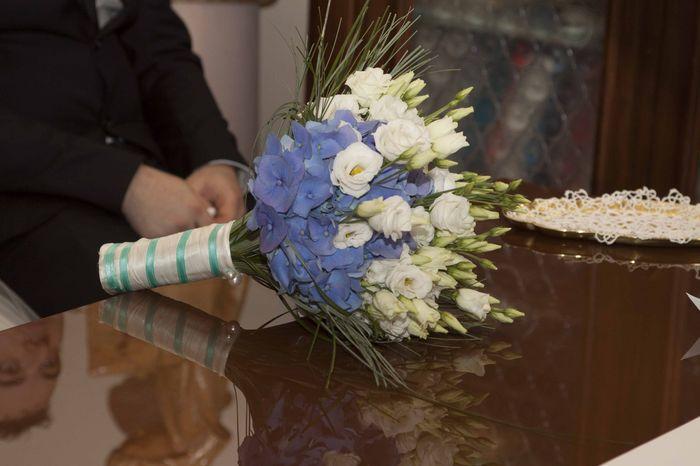 Matrimonio Fiori Azzurri : Bouquet con fiori azzurri foto moda nozze