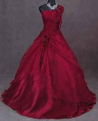 Vestito da sposa rosso ampio