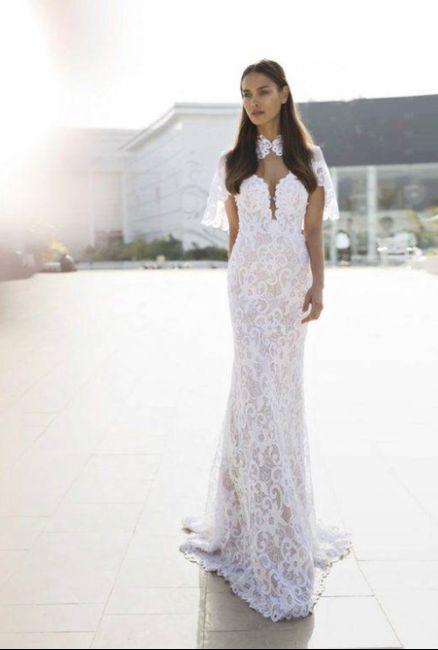 Nuovo must 2020: L'abito da sposa con la mantella 🤍 2