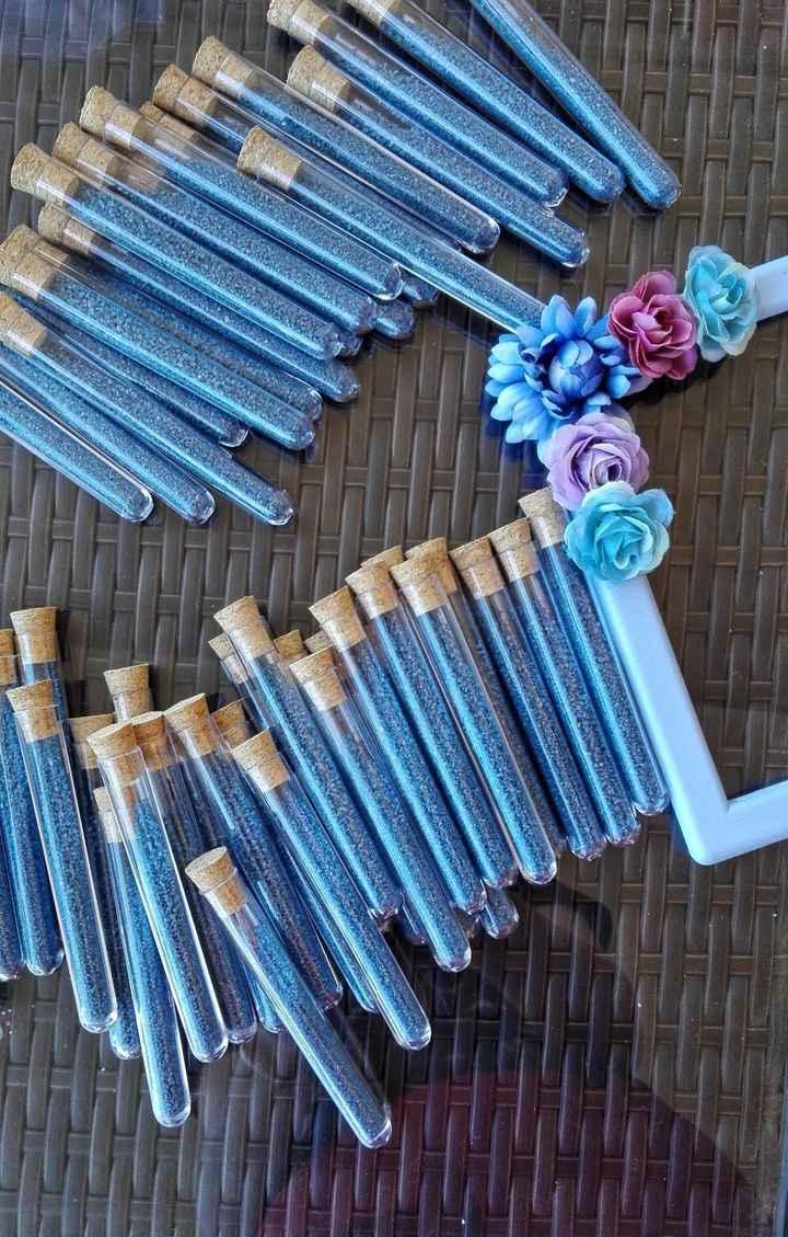 provette blu polvere con cornice segnatavolo