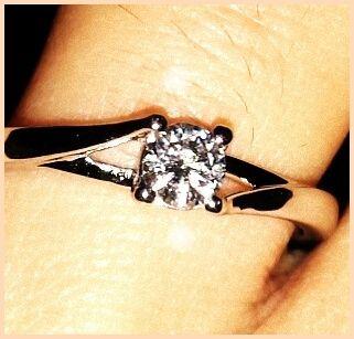 Che ne dite di postare i vostri anelli di fidanzamento? - 1
