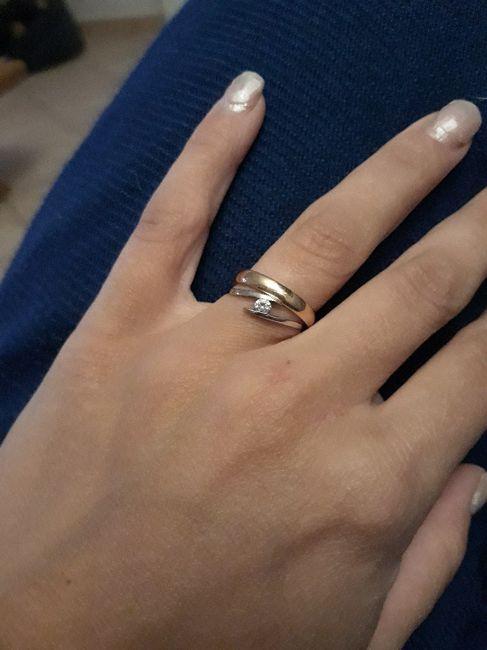 Fede e vari anelli. Curiosità. 1