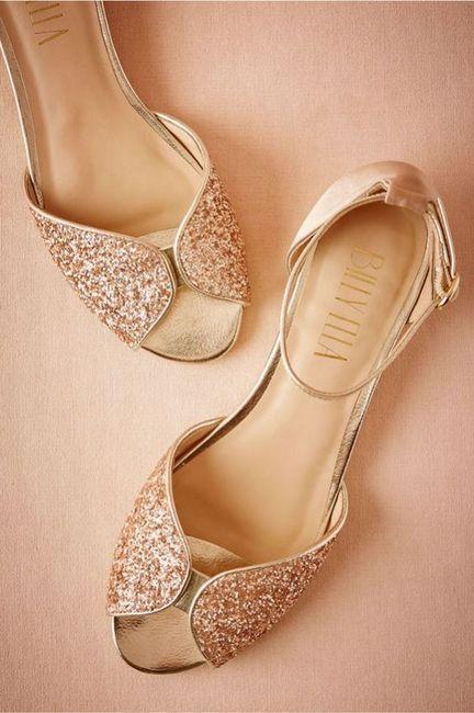 Le scarpe di ricambio di quale admin scegli? 👠 4
