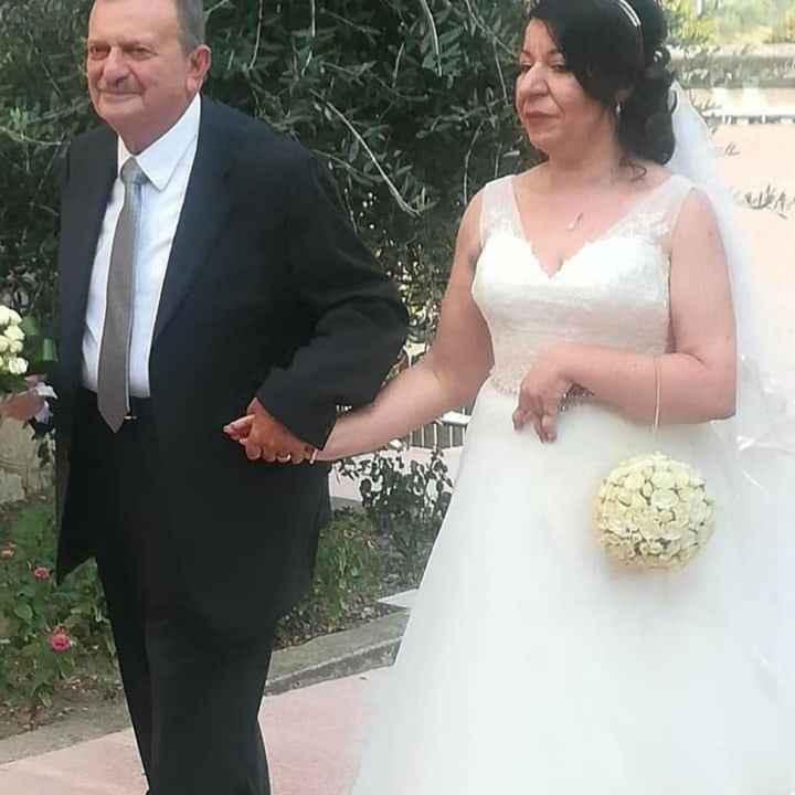 Abiti da sposa accollati oppure scollatoi? - 1