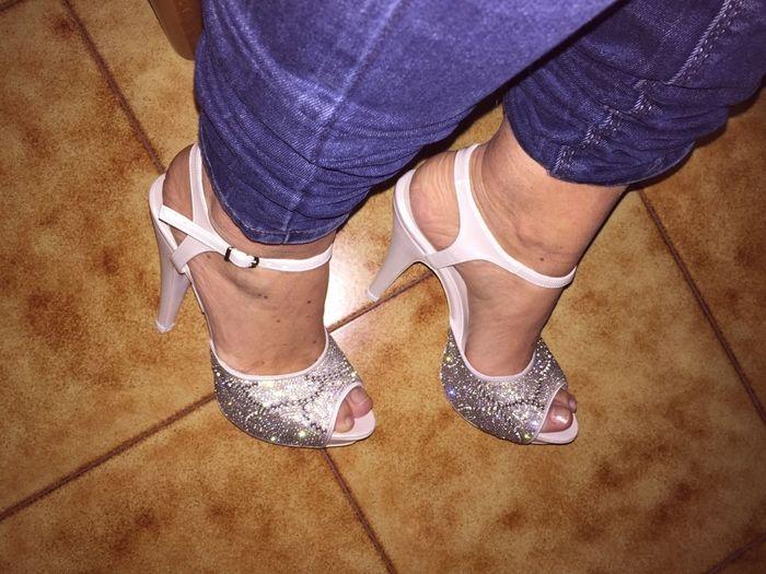 Adora le mie scarpe schiavo 1