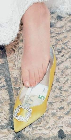 Moneta nella scarpa 1