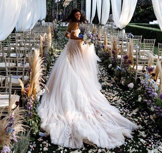 Turani VS Ferragni: l'abito da sposa 1