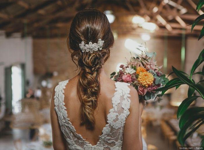 Quale acconciatura sceglieresti per le tue nozze? 4