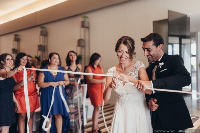 Il nastro che taglia la sposa... 1