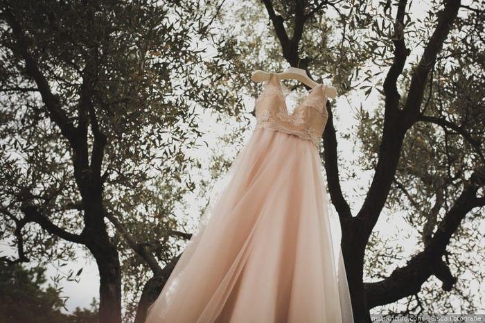 Quale tessuto preferisci per l'abito da sposa? 3