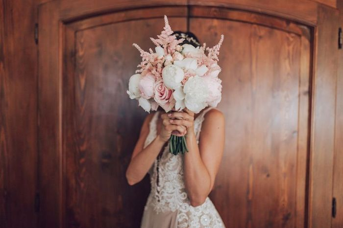 Scopri il tuo bouquet in base all'abito da sposa 1