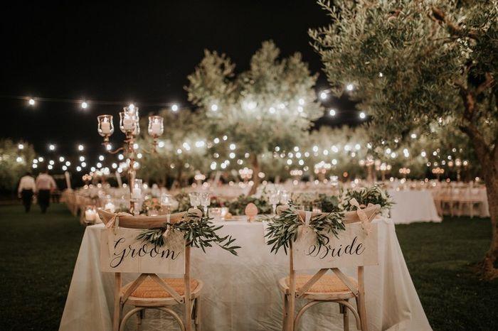 Matrimonio all'aperto: il tavolo sposi 1