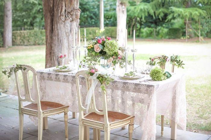 Matrimonio all'aperto: il tavolo sposi 2