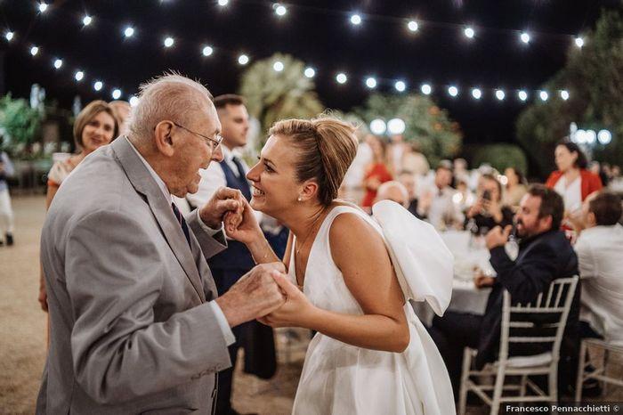 La tua reazione per questo ballo con il nonno 1