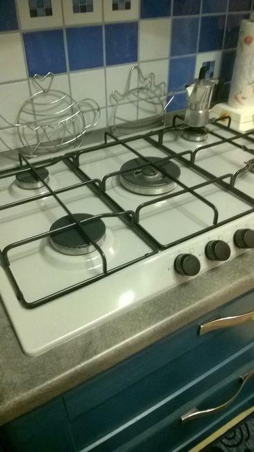 Lavello in fraganite bianco e piano cottura in vetro - Cucina in fragranite ...
