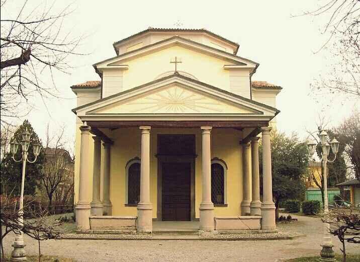 Ecco la nostra chiesa nel parco - 1