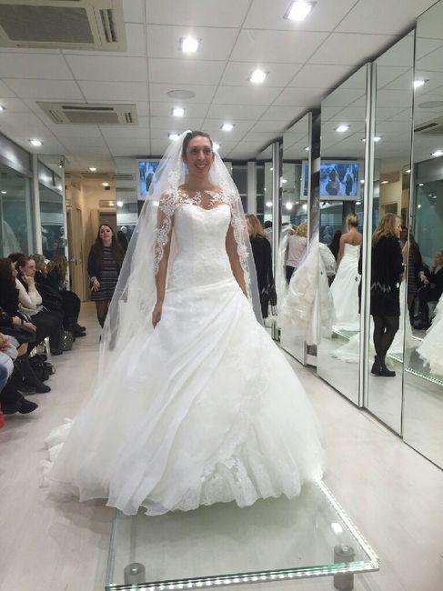 Acconciatura Sposa Laterale Con Velo Acconciatura Sposa Coroncina