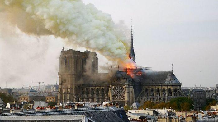 Notre Dame bruciata 💔 1