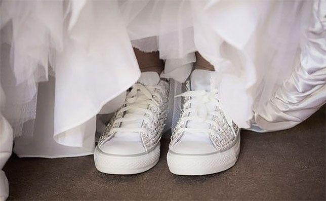Scarpe Ginnastica Sposa.La Sposa Con Le Scarpe Da Ginnastica Bianche Pagina 2 Moda