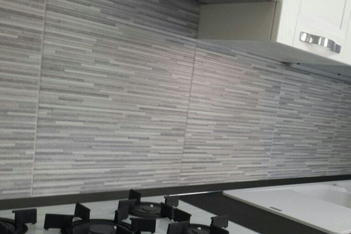 Rivestimento parete cucina vivere insieme forum - Pulire le piastrelle della cucina ...