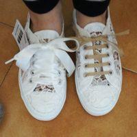 Sneakers sotto l'abito - 1