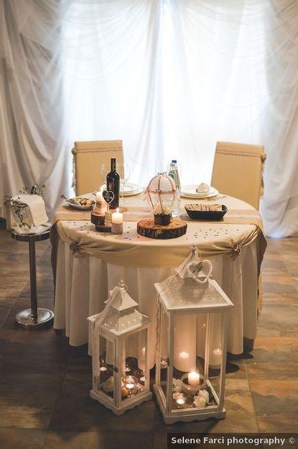 Quali decorazioni preferisci per il tavolo sposi? 1