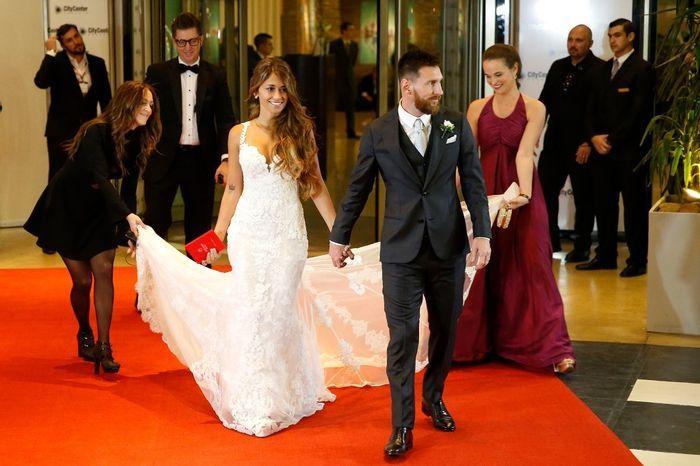 Il look nuziale di Messi - 1