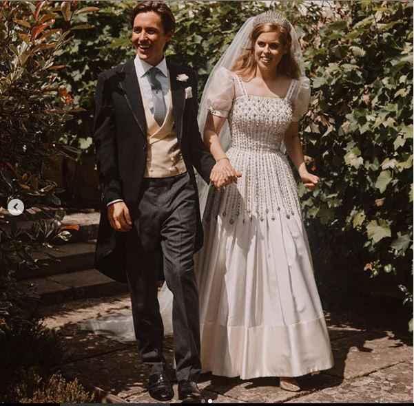Matrimoni reali: Beatrice di York è convolata a nozze! E questo era il suo abito ❤️ - 1