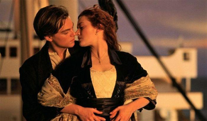 🥰😘 i baci che ci hanno fatto sognare da bambine🥰😘 4