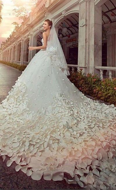 Abiti da sposa con strascico lungo Moda nozze Forum