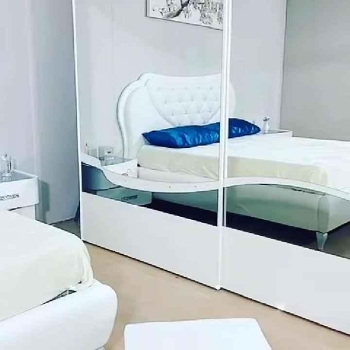 Conoscete la marca e il modello di questa camera da letto? - 2