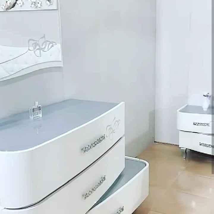 Conoscete la marca e il modello di questa camera da letto? - 3