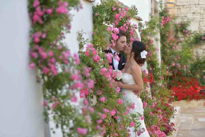 bacio tra i fiori