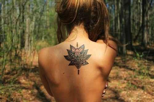 Tatuaggio che si vede è volgare??? - 1