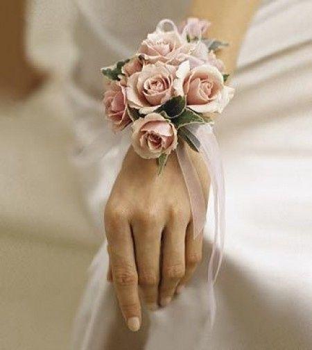 Bouquet Sposa Bracciale.Bouquet A Bracciale Organizzazione Matrimonio Forum Matrimonio Com
