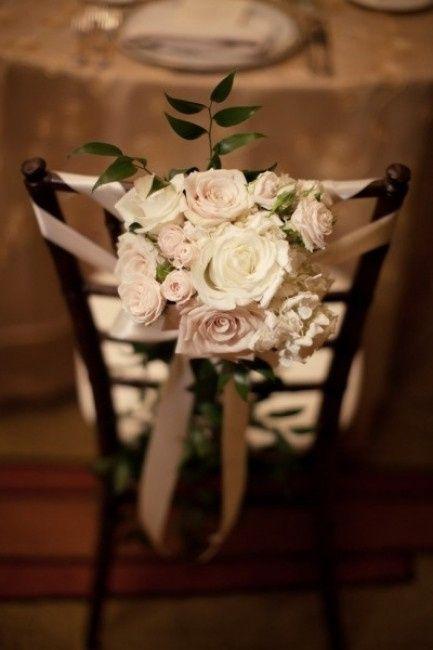 Decorazioni per le sedie al ricevimento di nozze - Fiocchi per coprisedie ...