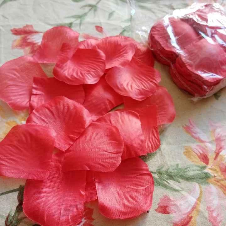 Petali di rosa finti - 1