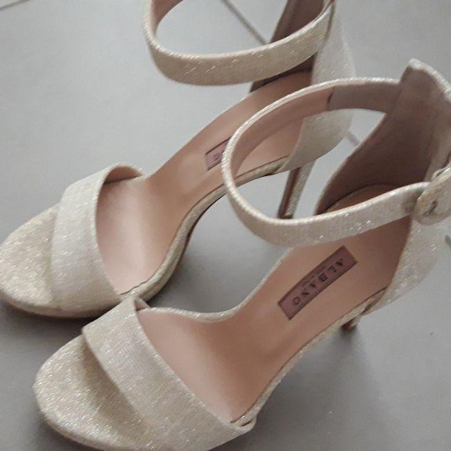 Che scarpe avete indossato?😍 1
