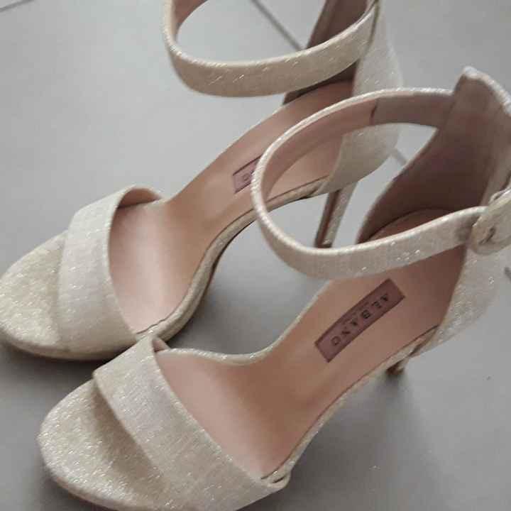 Che scarpe avete indossato?😍 - 1