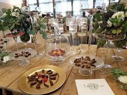 Mise en place il tavolo a casa della sposa ricevimento - Tavolo sposa a casa ...