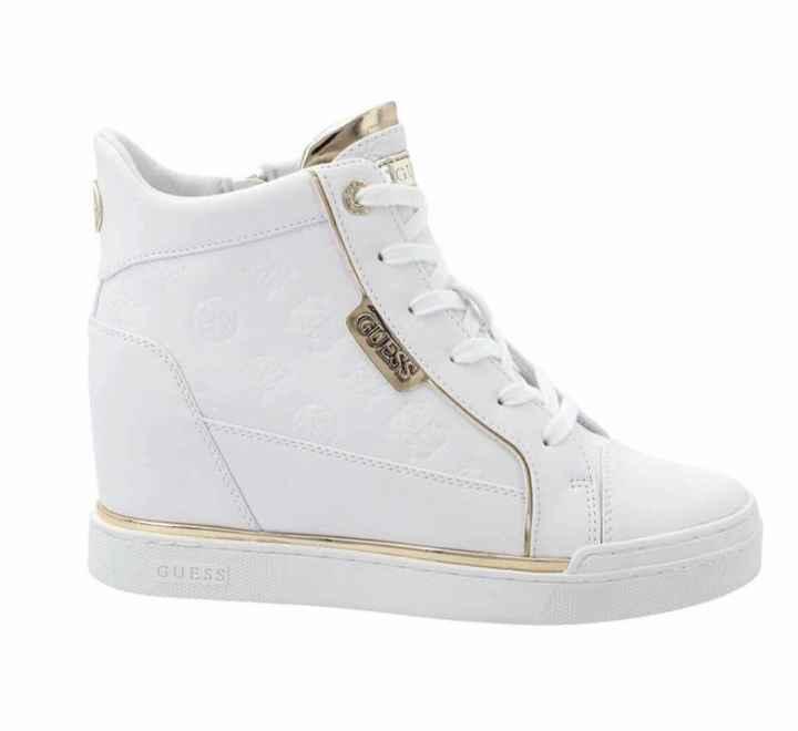 Spose con sneakers - 2