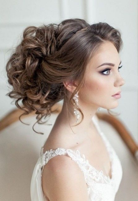 Acconciature alte per sposa