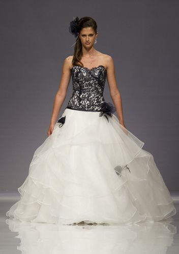 c7f2fc7b245a Abito da sposa nero o quasi.... - Moda nozze - Forum Matrimonio.com