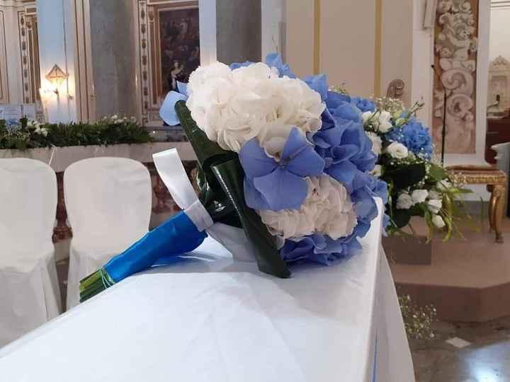 Colore tema blu, che fiori mi consigliate? - 1