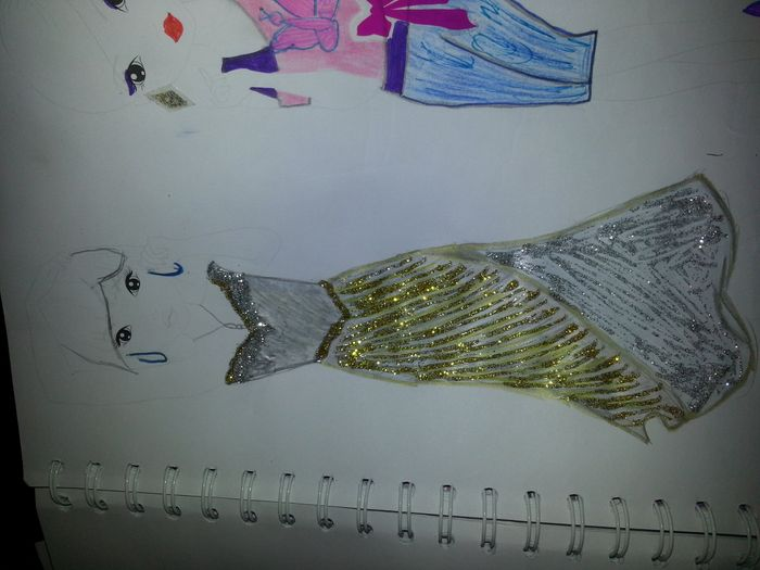 l abito disegnato da mia figlia hihihi