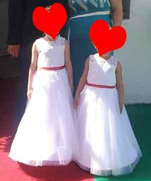 Vestito damigelle bianco con dettaglio rosso