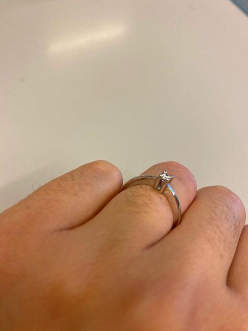 E ora mostraci una foto del tuo anello di fidanzamento! 9