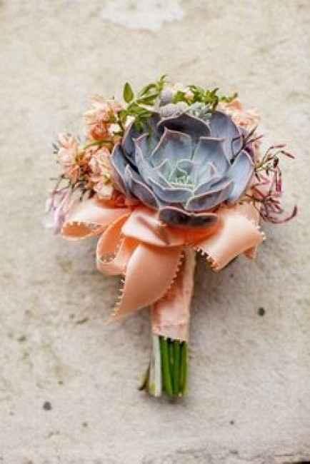 bouquet con pianta grassa