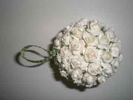 palline con fiori di carta