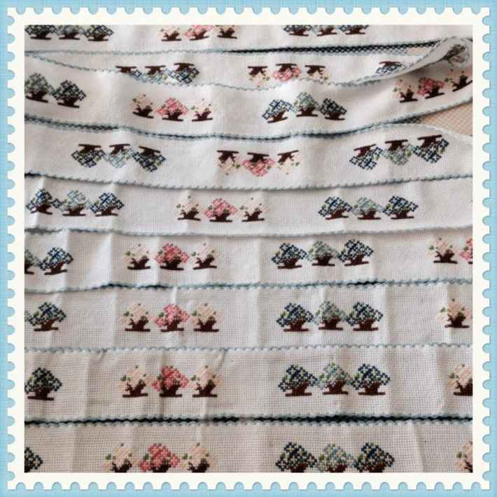 bordini a punto croce che cucirò ai lenzuolini